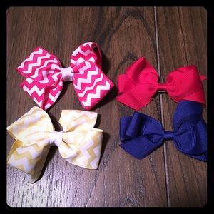 Other - Set of 4 small hair bows